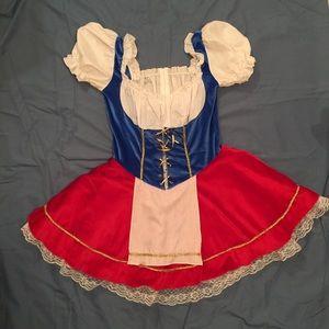 Bar Maid Halloween Costume